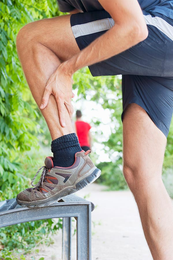 leg pain when walking