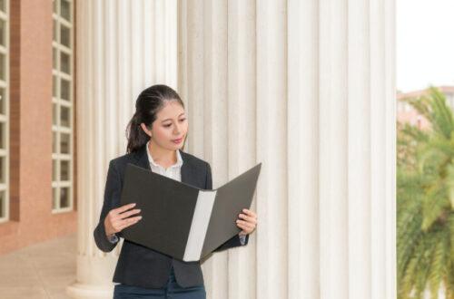 Choosing a good family lawyer
