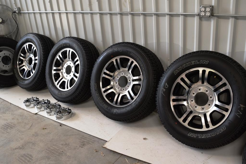 Ford F250 Platinum 20 inch oem factory wheels with michelin tires