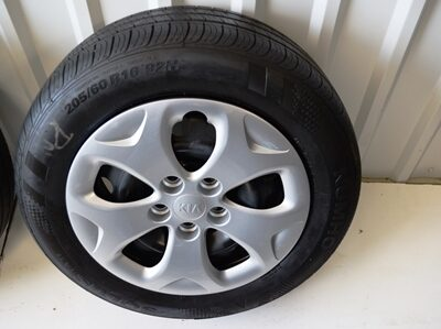 Kia Soul 16 inch oem wheels tires