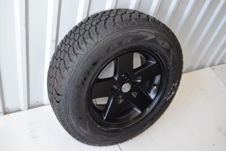 black jeep 17 inch oem wheel