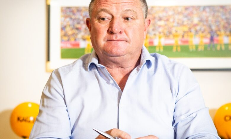 Kaizer Chiefs Terminate The Contract Of Gavin Hunt!
