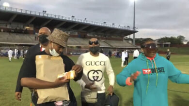 Check Out Andile Mpisane as He Gives Royal AM Players Their Bonuses on The Pitch!