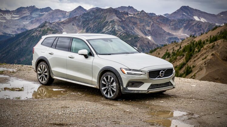 2020 Volvo V60 Cross Country – Banff