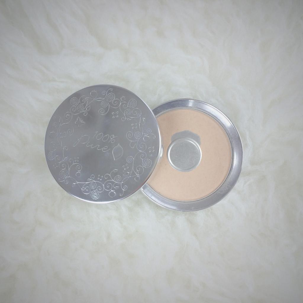 100 percent pure pressed powder foundation in creme