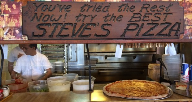 Steve's Pizza Draws The Crowds In North Miami