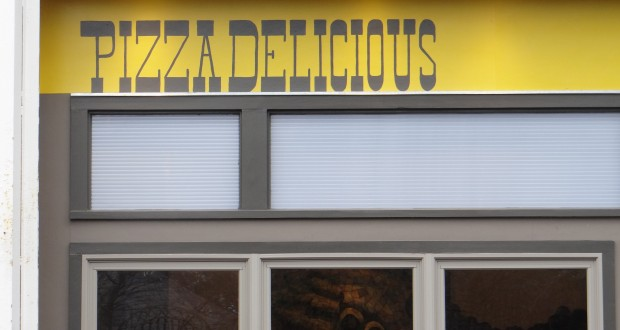 """Delicious Pizza"" In New Orleans Is Actually Pretty Delicious"