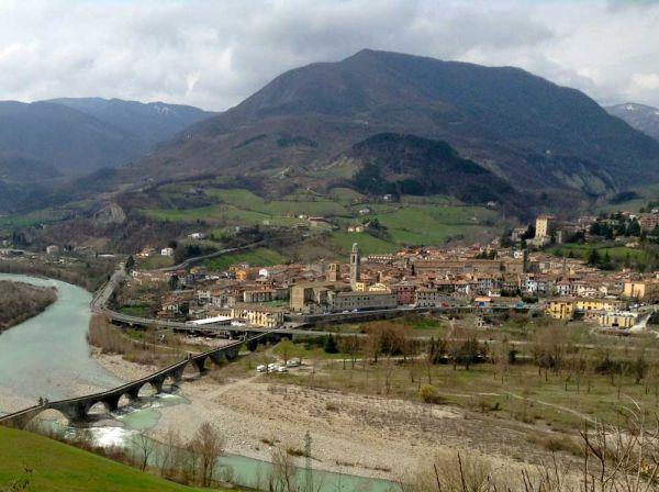 italiainpiega-pieghe-meravigliose-itinerari-moto-nord-italia-vinando-oltrepo' pavese-bobbio
