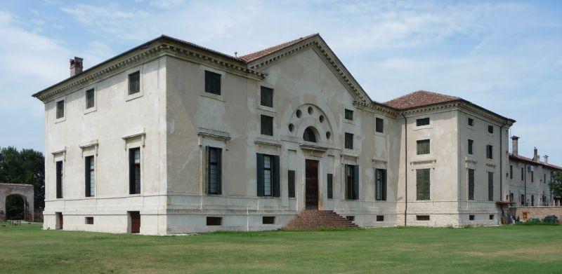 italiainpiega-pieghe-meravigliose-itinerari-moto-pianura-padana-ville palladiane-villa pojana