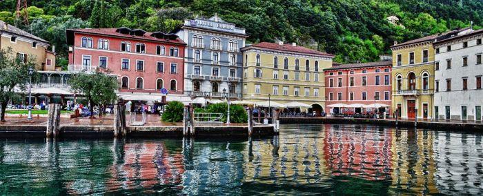 italiainpiega-pieghe-meravigliose-itinerari-moto-nord-italia-lago di garda-riva del garda