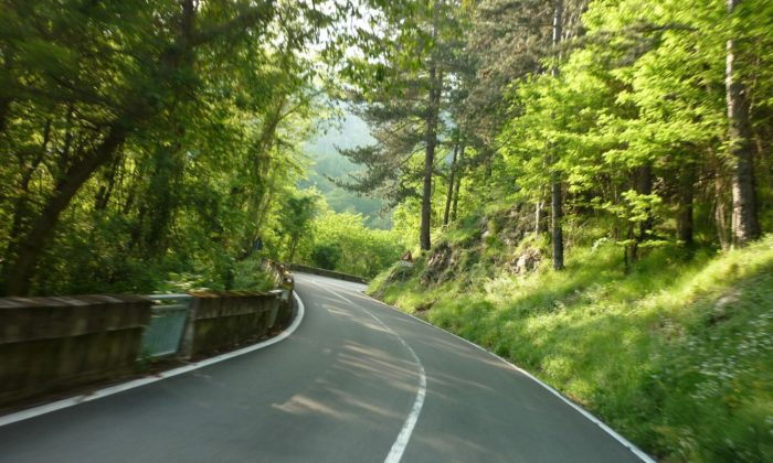 italiainpiega-pieghe meravigliose-itinerari-moto-nord-italia-passo del tomarlo-val d aveto