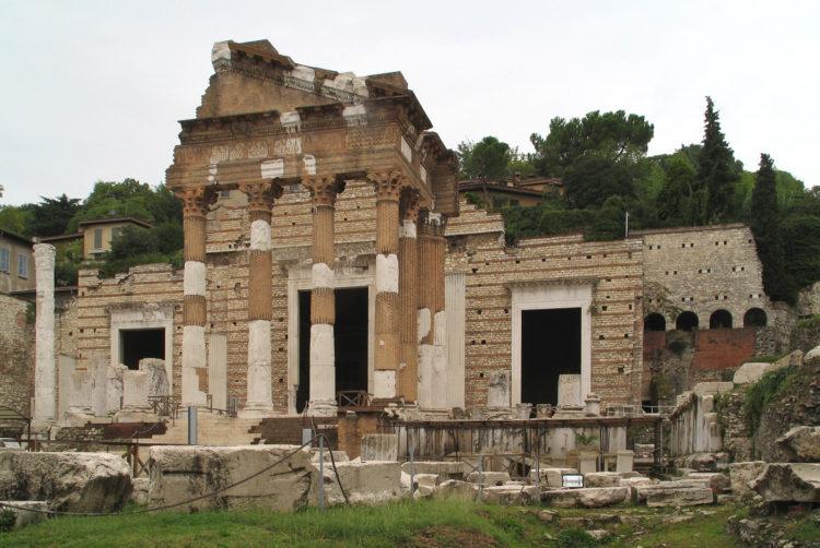 italiainpiega-pieghe meravigliose-itinerari moto pianura padana-unesco-brescia-capitolium