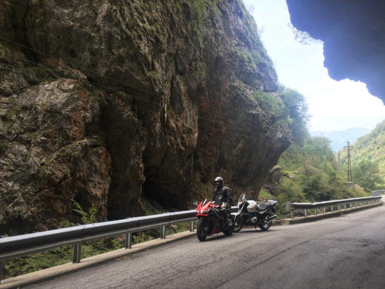 italiainpiega-pieghe meravigliose-itinerario-moto-nord-italia-passo san marco-orrido di val taleggio 1