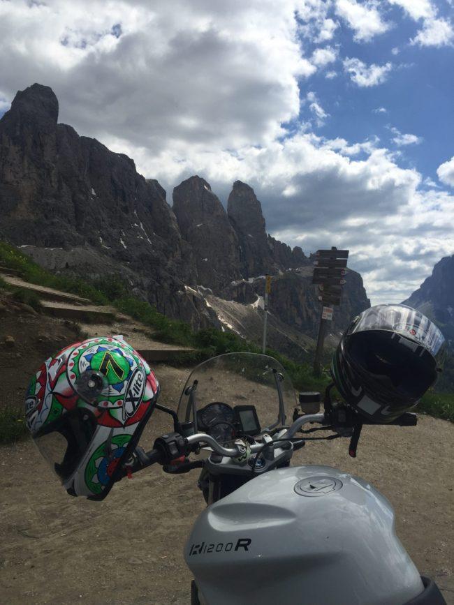 italiainpiega-pieghe meravigliose-itinerario moto nord italia-lago di braies-passo gardena