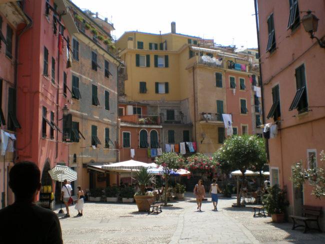 italiainpiega-pieghe meravigliose-itinerari moto nord italia-le cinque terre-vernazza 1