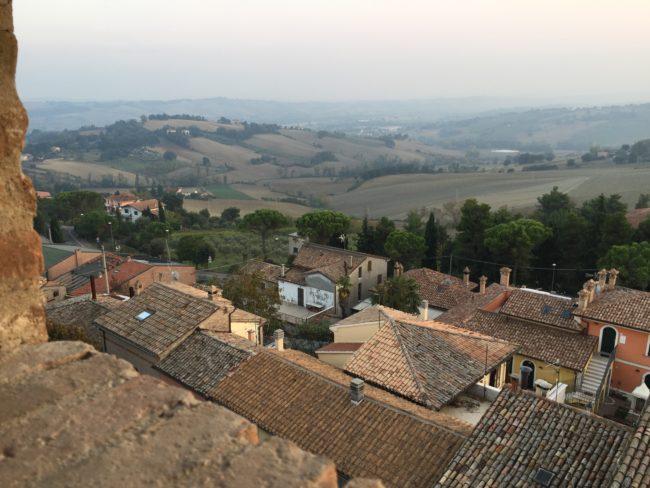 italiainpiega-pieghe meravigliose-itinerari  moto centro italia-tempio del valadier-mondavio