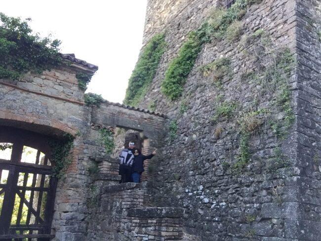 italiainpiega-pieghe meravigliose-itinerari moto nord italia-oltrepo' pavese-castello zavattarello-2