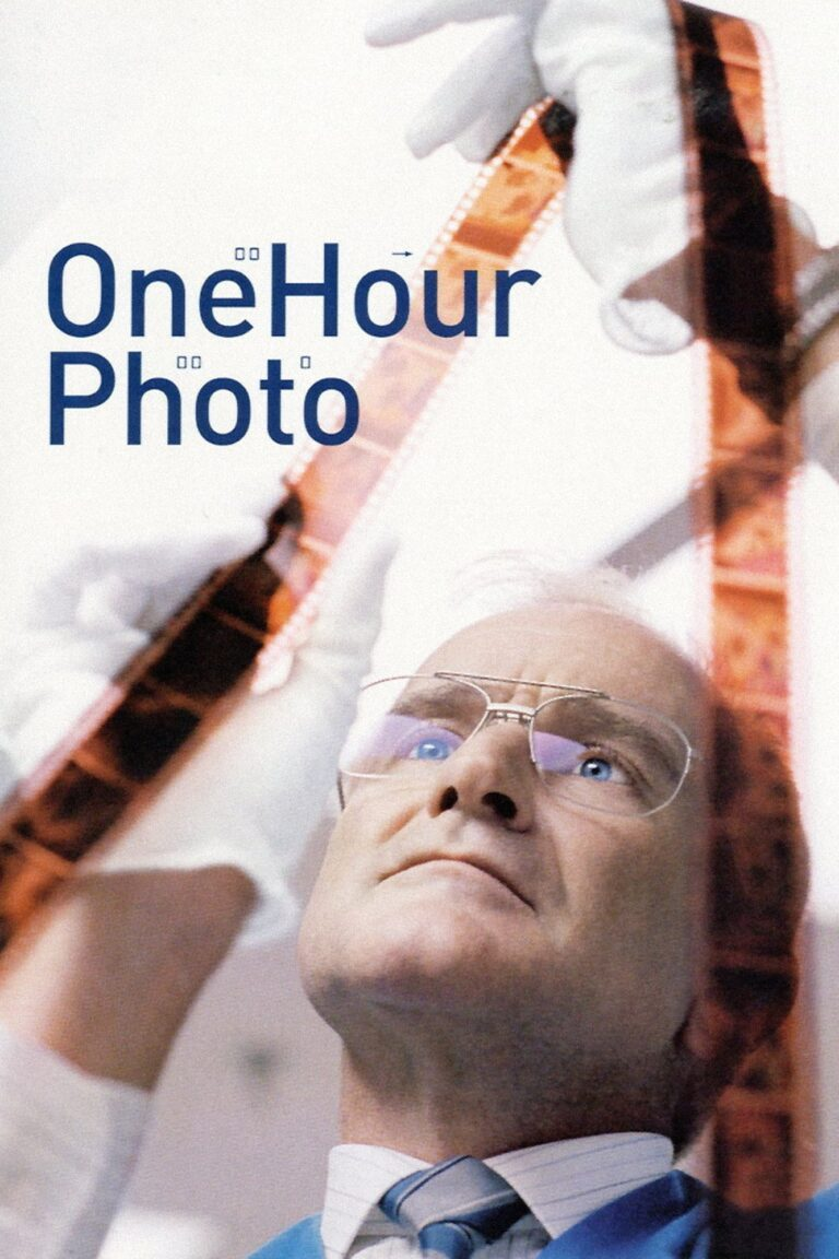 """Poster for the movie """"One Hour Photo"""""""