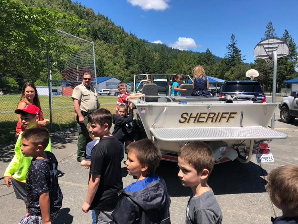 Humboldt County Sheriff's Deputies And CHP Officers Visit