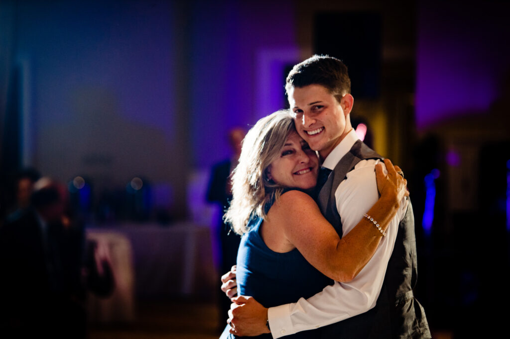 mother and son dance at Grove City Wedding Venue