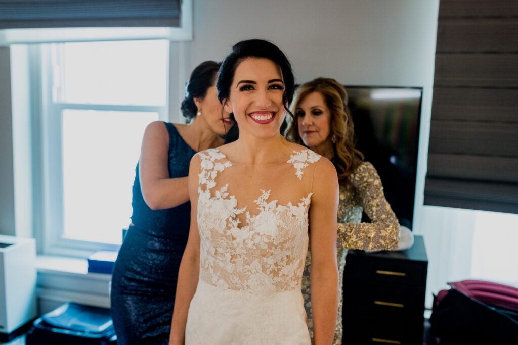 bride getting ready at columbus ohio westin wedding