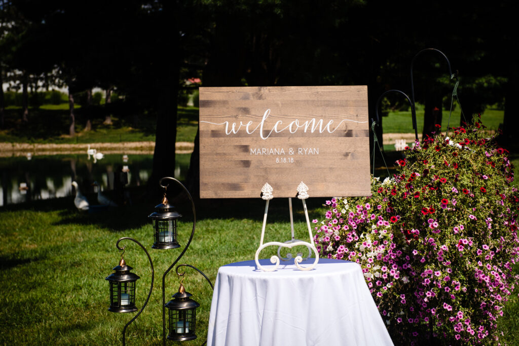 welcome sign to wedding