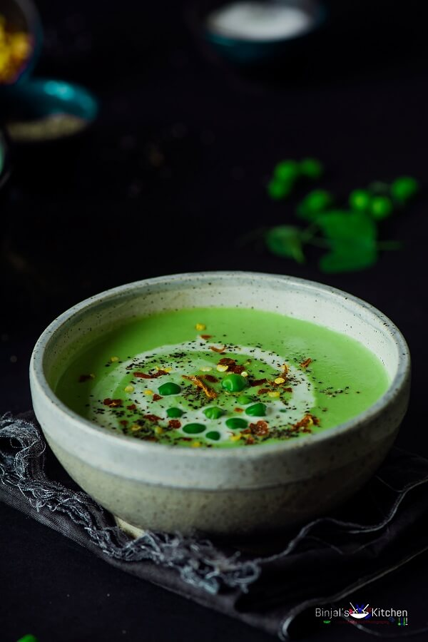 Roasted Garlic Green Peas Soup Photography