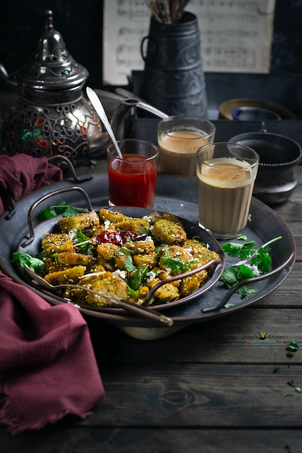 Bathua Muthia or Gujarati Cheelia