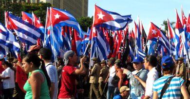 Devolver a Cuba a lista de países que apoyan el terrorismo desacredita política exterior de EE. UU.