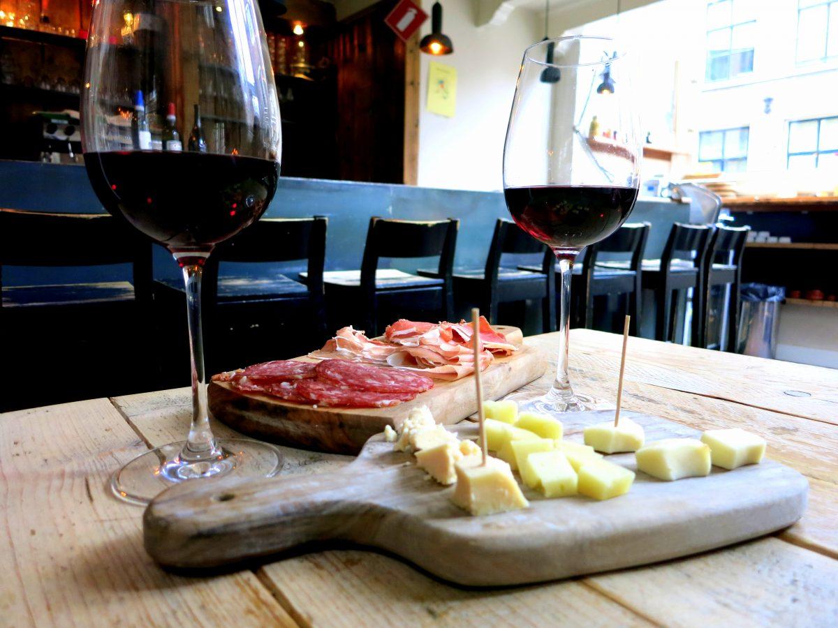 TOP 20 COZYBARS IN AMSTERDAM - wijnbar divino