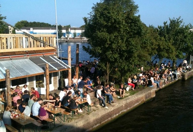 BEST WATERSIDE TERRACES IN AMSTERDAM: sip a drink canalside