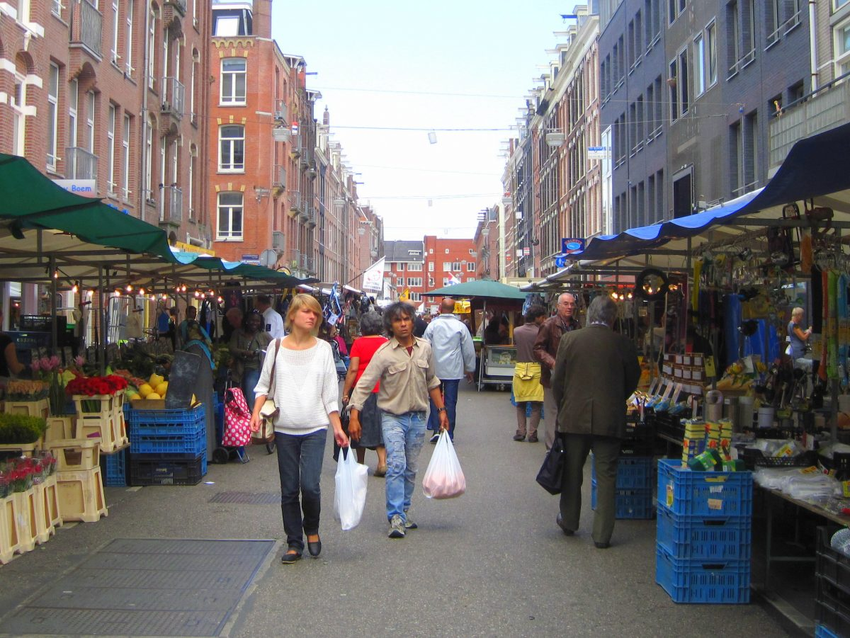 AMSTERDAM'S WEEKLY STREET MARKETS
