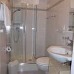 apartment Kalterer See bathroom