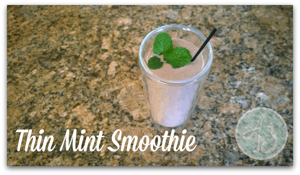 thin-mint-girl-scout-cookie-smoothie-recipe