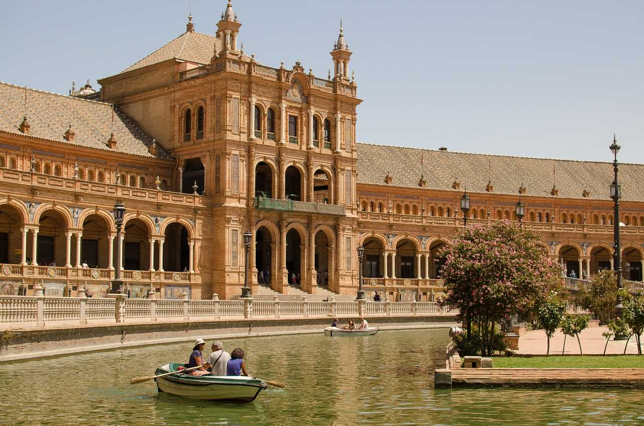 What to Eat, See and Do in a Day Trip to Seville