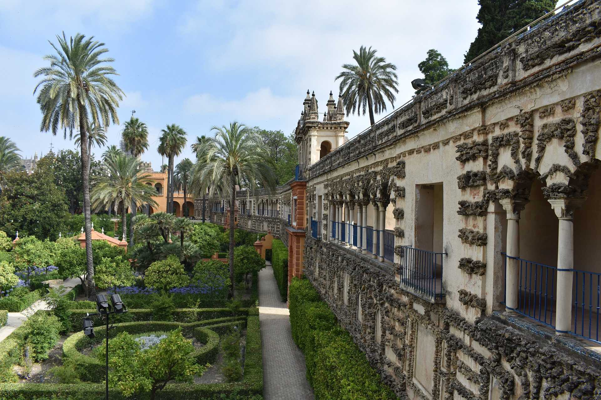 Slip the Line Exclusive Tour of Alcazar in Seville