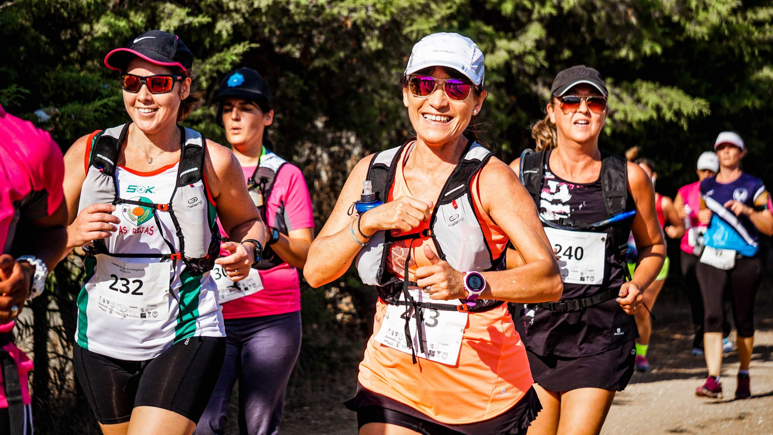 group-of-people-doing-marathon-1571939-min