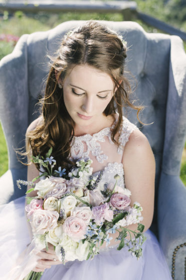 Ranunculus and other kick ass wedding flowers that brides should know about for their wedding day!