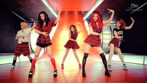 f(x) rum pum pum pum fashion outfits looks