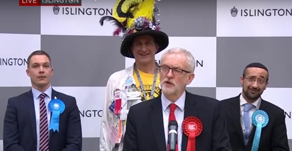 Yosef David raises eyebrow during Corbyn's concession speech at Islington