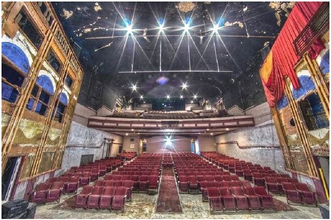 Read more about the article Curtain slowly rising on theater