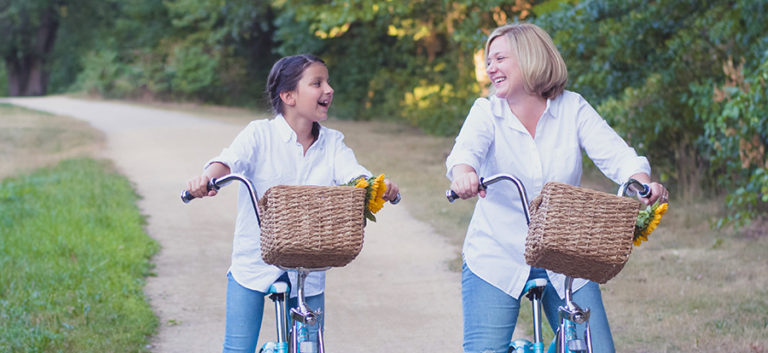 Read more about the article Family Pop Songwriter Karen K Debuts The Blue Bike Chronicles