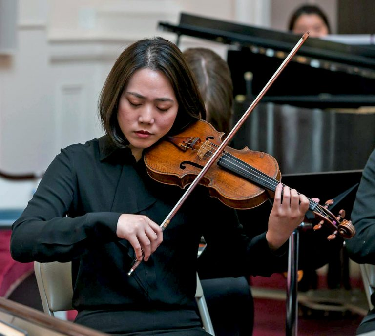 Read more about the article Review: Chamber orchestra gives vivid performance of inventive program