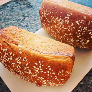 Read more about the article Molasses Oatmeal Bread