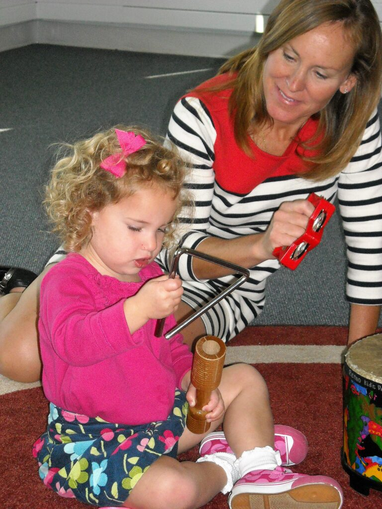 Family Music Time Opens Fall Program Registration