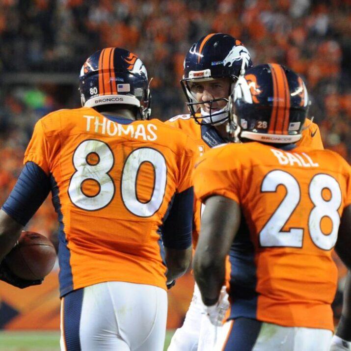 Manning e Thomas conectaram para 3 TDs