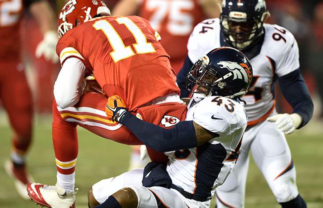 Smith sofreu quatro sacks no duelo