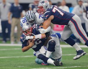Defesa dos Cowboys teve 5 sacks em Brady