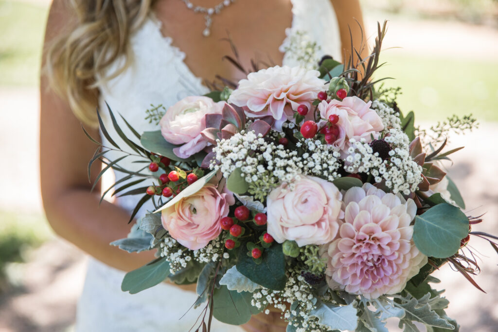 bouquet with dahlias roses babys breath succulents