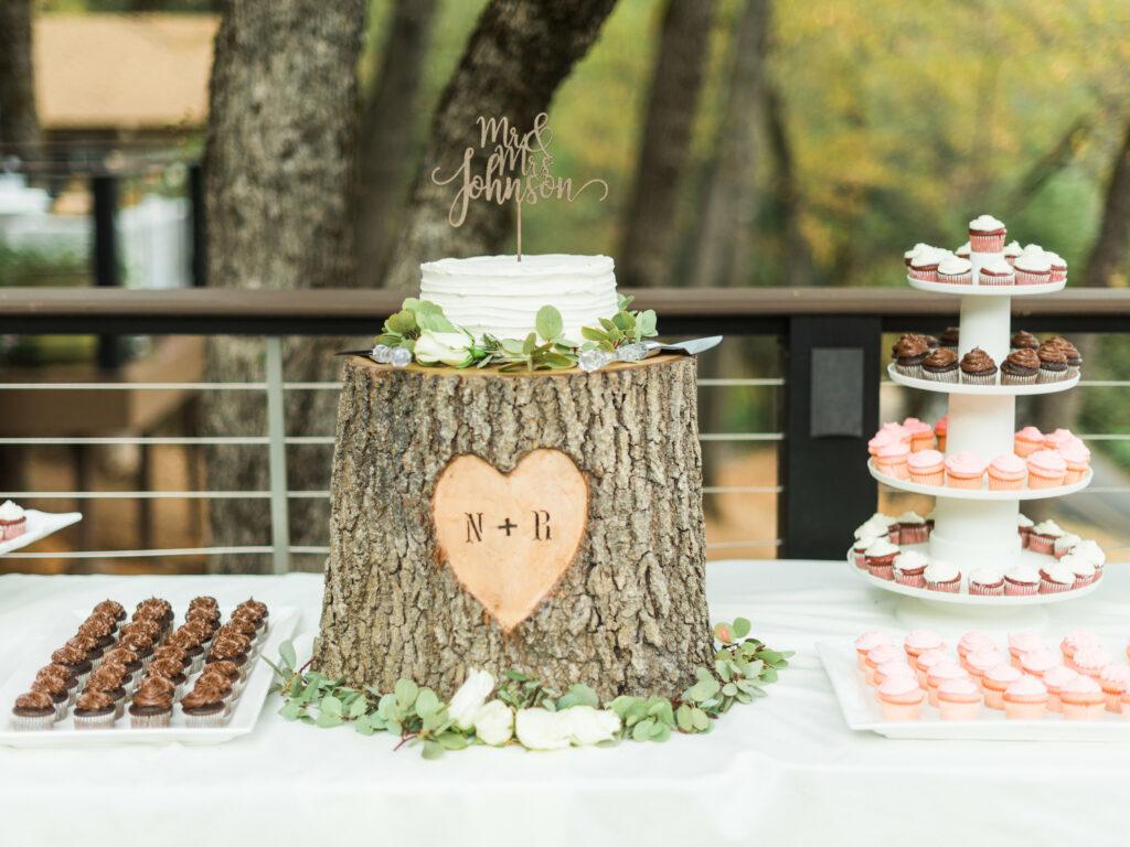 tree stump wedding cake stand